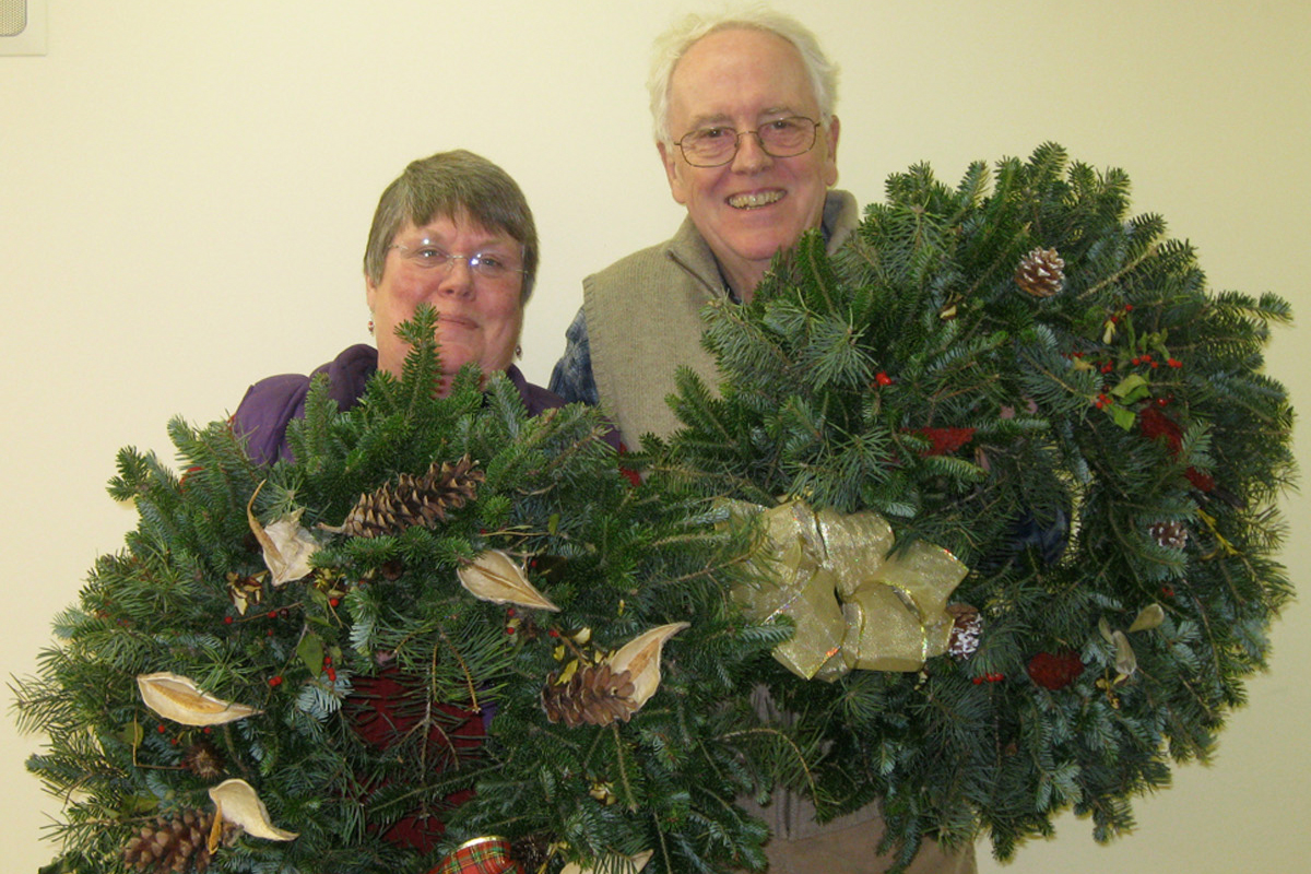 Early-Bird Discount by November 7 for Holiday Wreath-Decorating Workshops on November 17-19