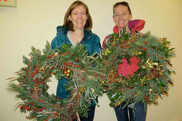 Reserve by November 6 for Early-Bird Discount on Holiday Wreath-Decorating Workshops